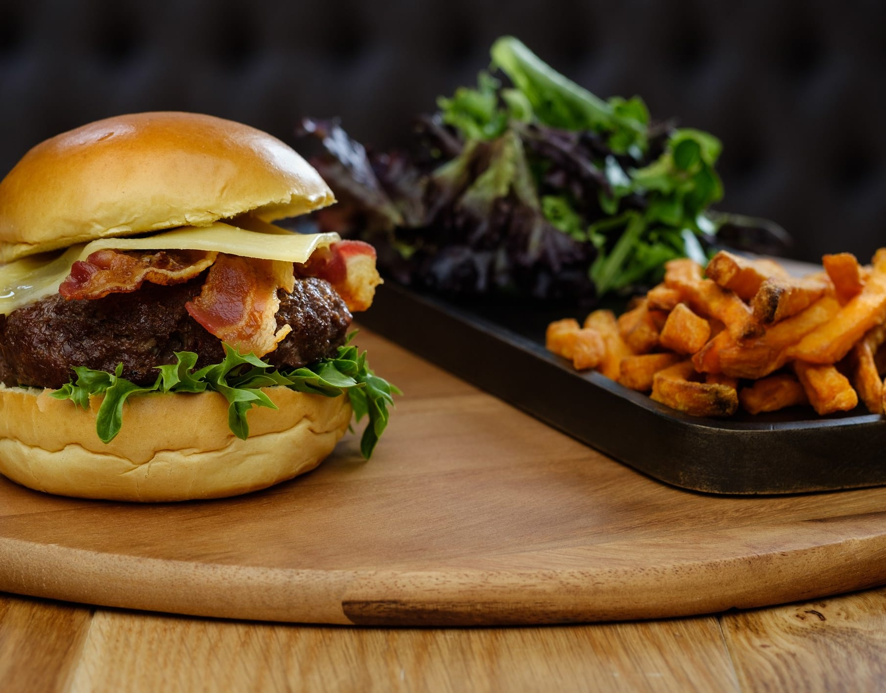 Flere hyggelige restauranter i nærheten, hva med en burger hos Øst?