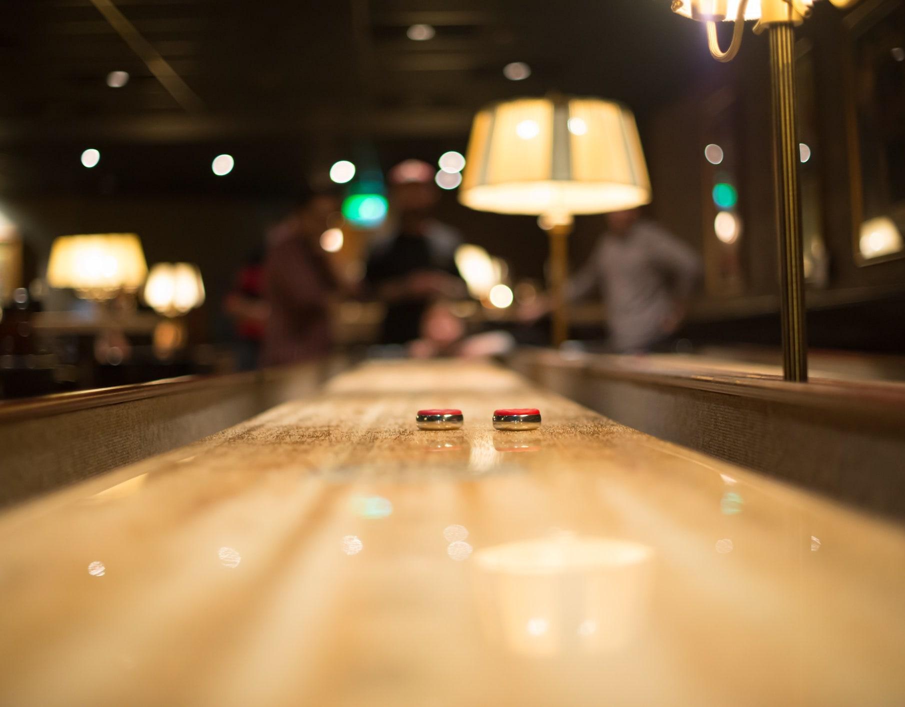 Visste du at Trewerket har shuffleboard i tillegg til bar og restaurant?