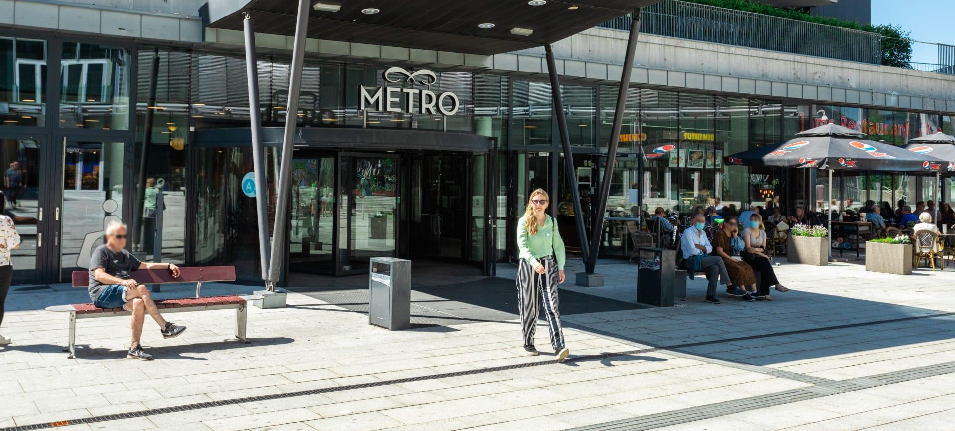 Metro senter ligger rett i nærheten.