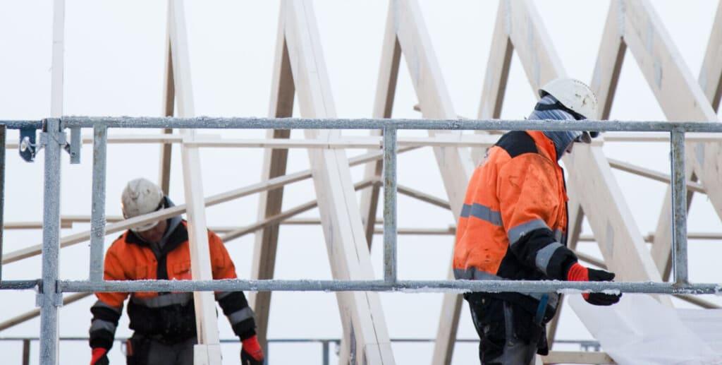 Avtale om UE for tømrerarbeider på Tribunen