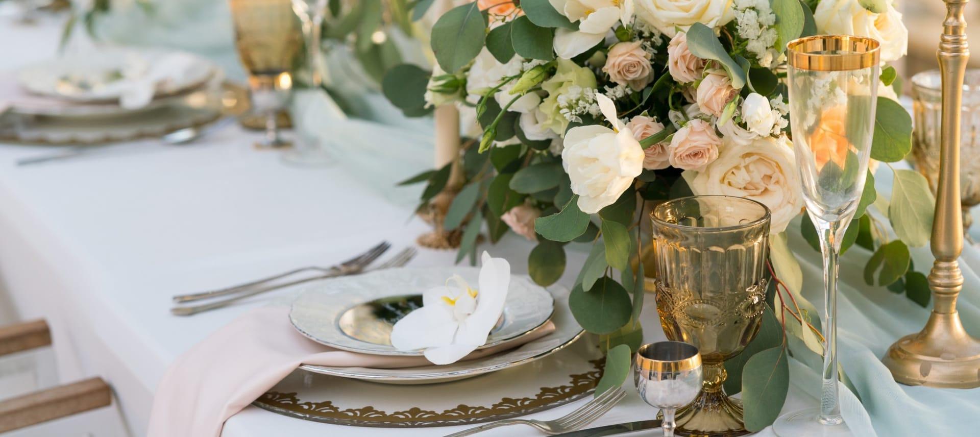 Mange velger å feire et romantisk bryllup på Losby Gods