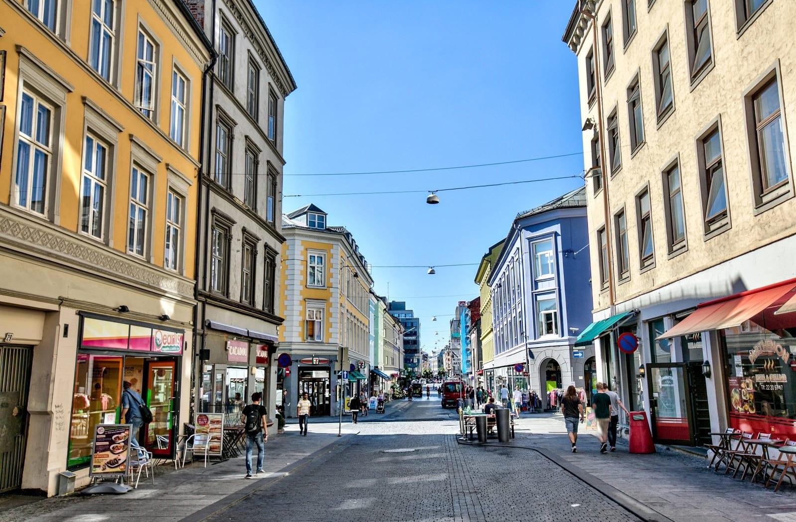 Torggata byr på et bredt utvalg av butikker, barer, restauranter og kafeer