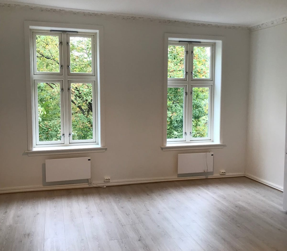 Stue/kjøkken (Bilder av lik leilighet i 3 etg) Nytt gulv legges før overtakelse i stue