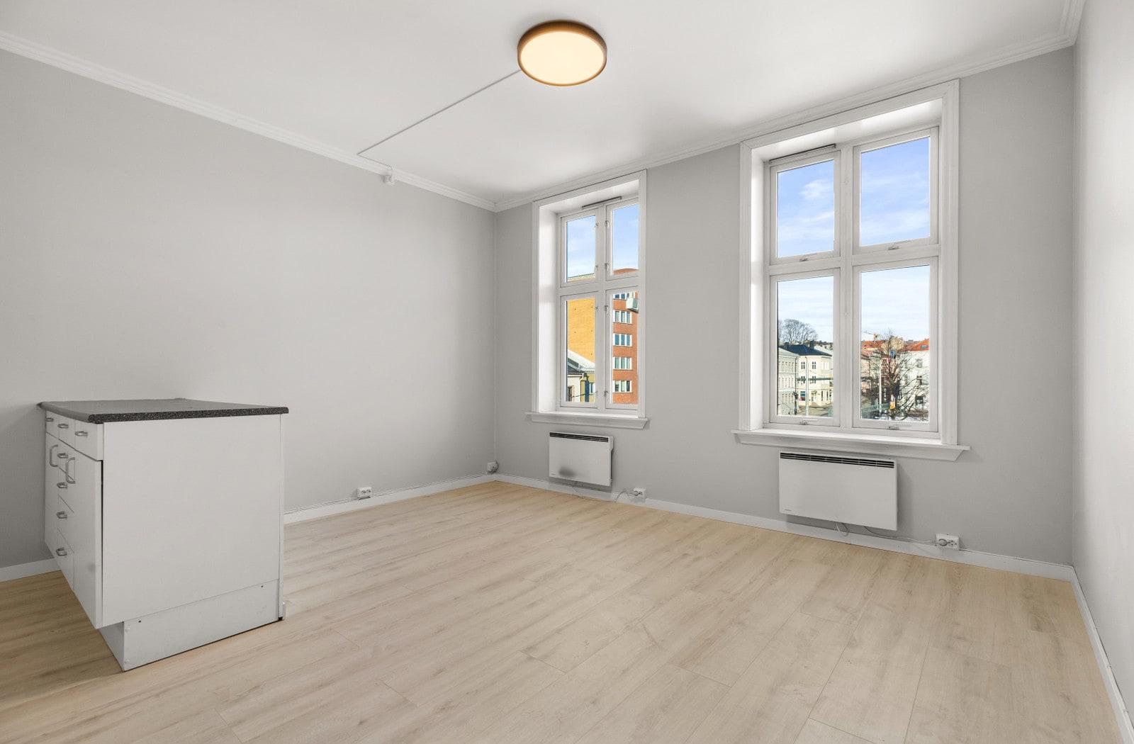 Kjøkken/stue (bilder av tilsvarende leilighet i 4 etg)