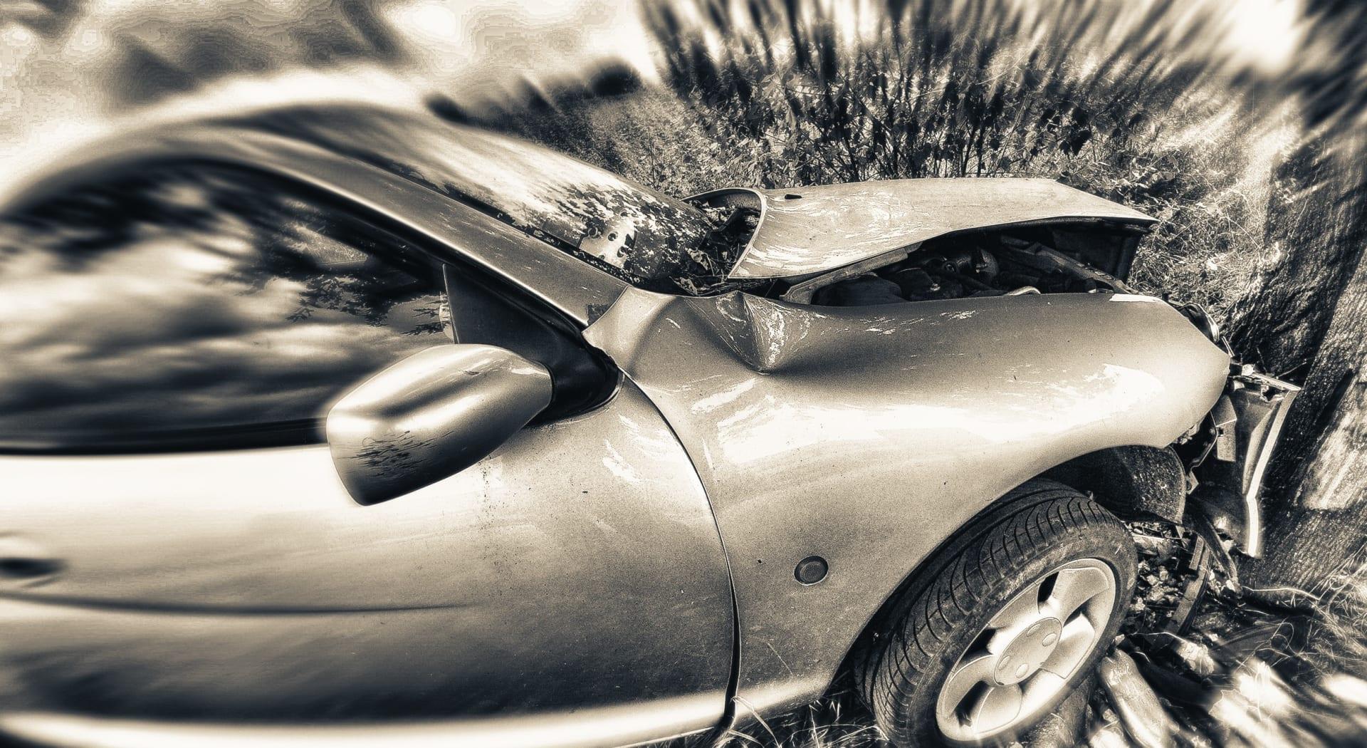 Vi ser på hvordan man beregner erstatning for inntektstap etter en trafikkulykke.