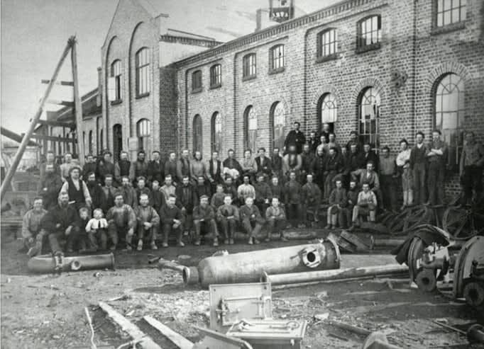 Ved forrige århundreskiftet sysselsatte FMV 400 mann. På det meste jobbet 2.500 menn og kvinner her.
