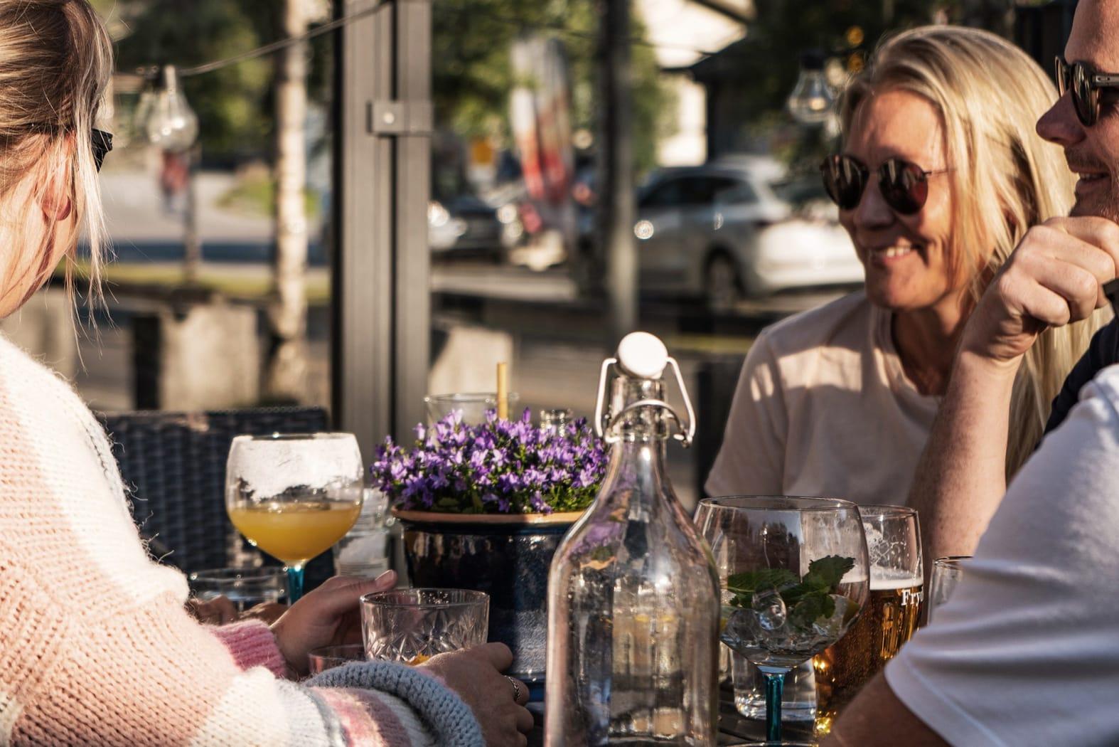Hemsedal sentrum har en rekke hyggelige restauranter. Foto Nicolai Gunner Larsen/hemsedal.com.